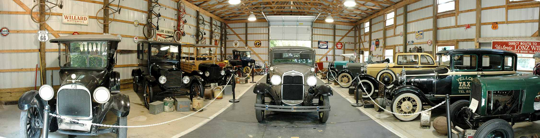 Perry\'s Cave Classic Car Museum Panorama